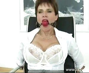 lady sonia in restrain bondage