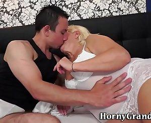 Blonde granny facialized