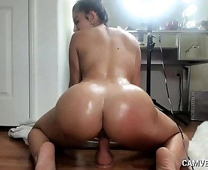 Thick Brunette Lena Dildo Riding