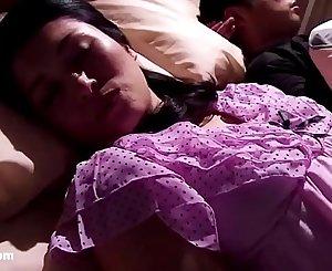 Japanese Mom Sleeping - LinkFull: http://q.gs/ERmGY