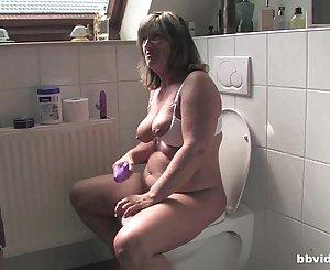 Bbvideo.com Chubby German Mummy fucking in bathroom